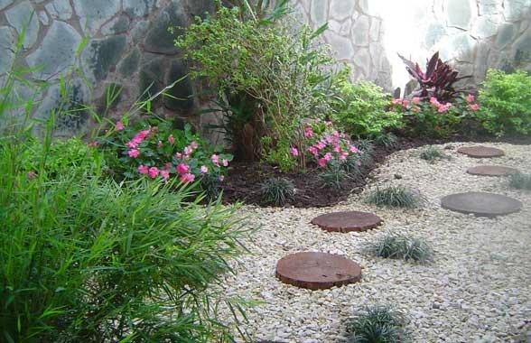 Piedra partida mar del plata lajas quilmes for Bolsa de piedra para jardin