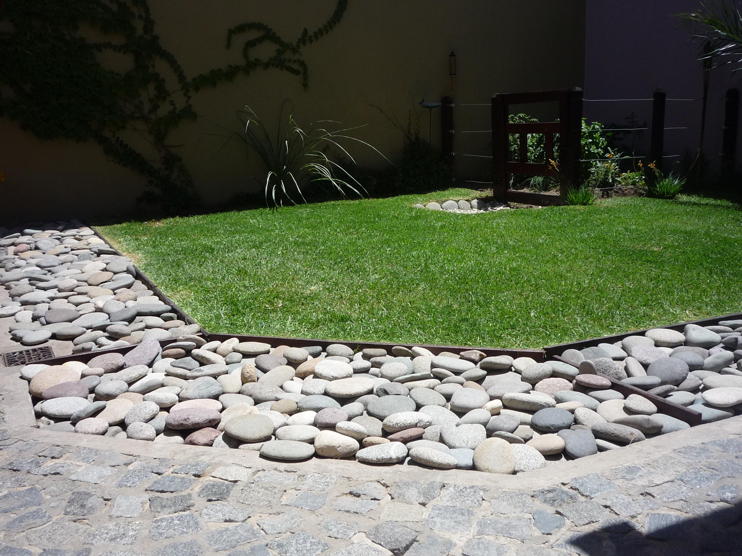 Piedra tejo plato rio lajas quilmes for Piedras blancas para decoracion
